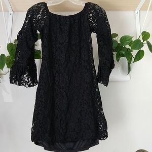 Dresses & Skirts - Black lace dress